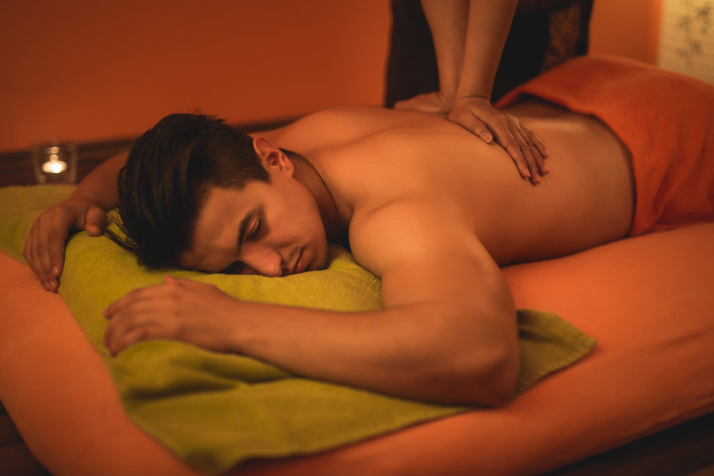 baimai-thai back massage